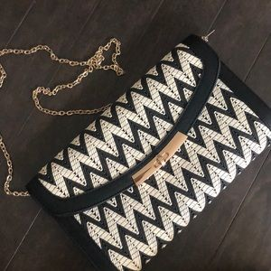 Brand new with tags, cute chevron purse